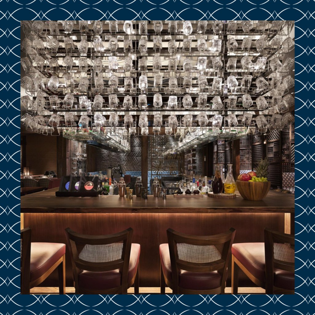 The Timber House at @ParkHyattSeoul is more than just a cocktail bar.  Immerse yourself in traditional Korean details while enjoying live DJ performances showcasing the sounds of vinyl records.  http:// spr.ly/60151PDW1     #LuxuryIsPersonal <br>http://pic.twitter.com/mh0rHuLb00