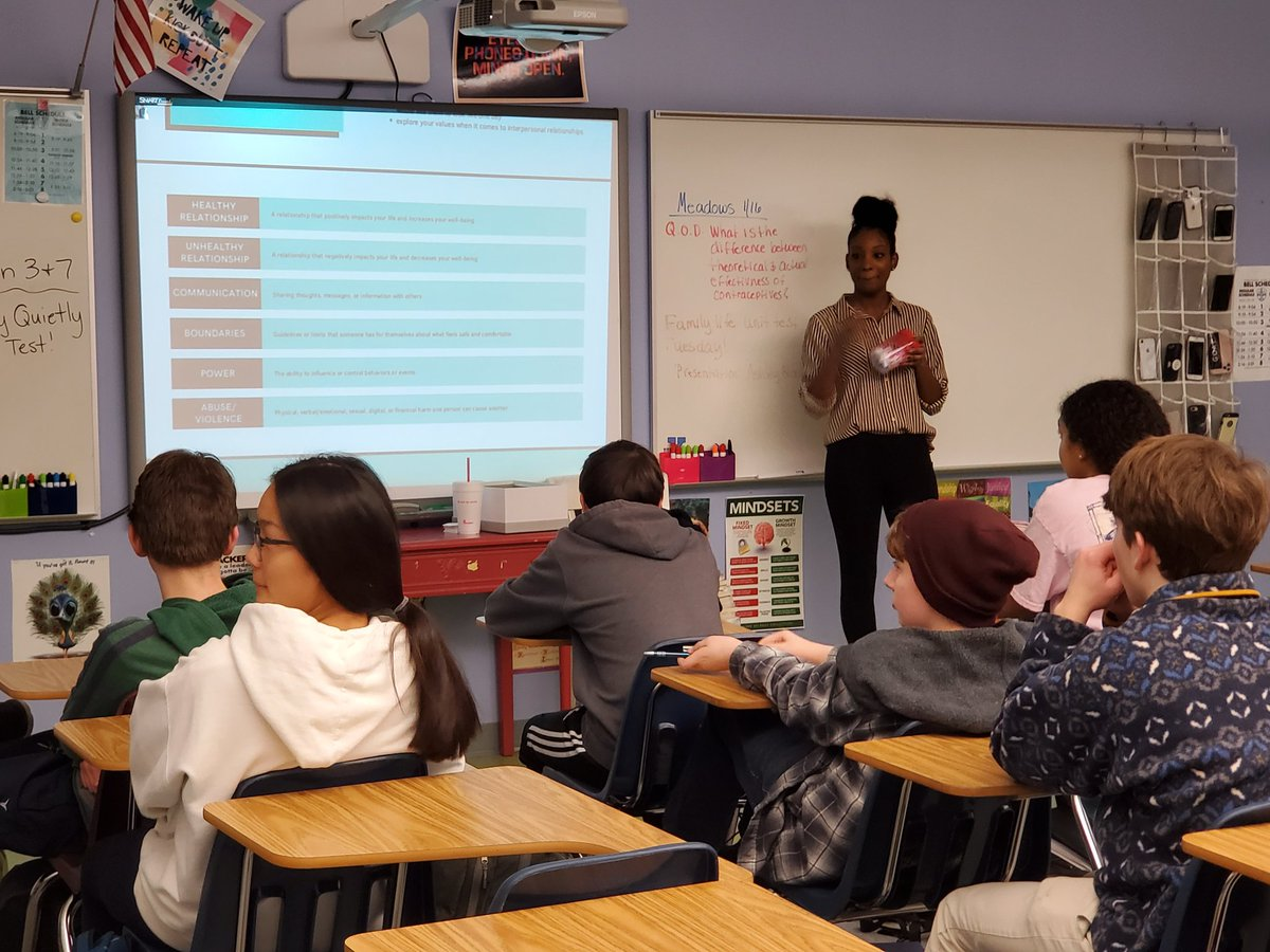 Ashley Blowe with Project PEACE talks to Yorktown Health Classes about Healthy Relationships <a target='_blank' href='http://twitter.com/YorktownHS'>@YorktownHS</a> <a target='_blank' href='http://twitter.com/YorktownSentry'>@YorktownSentry</a> <a target='_blank' href='http://twitter.com/Principal_YHS'>@Principal_YHS</a> <a target='_blank' href='http://twitter.com/APSHPEAthletics'>@APSHPEAthletics</a> <a target='_blank' href='http://twitter.com/APSHPE2'>@APSHPE2</a> <a target='_blank' href='http://twitter.com/APSVirginia'>@APSVirginia</a> <a target='_blank' href='http://twitter.com/YorktownYB'>@YorktownYB</a> <a target='_blank' href='http://twitter.com/YorktownAPs'>@YorktownAPs</a> <a target='_blank' href='https://t.co/MiTGwhURia'>https://t.co/MiTGwhURia</a>