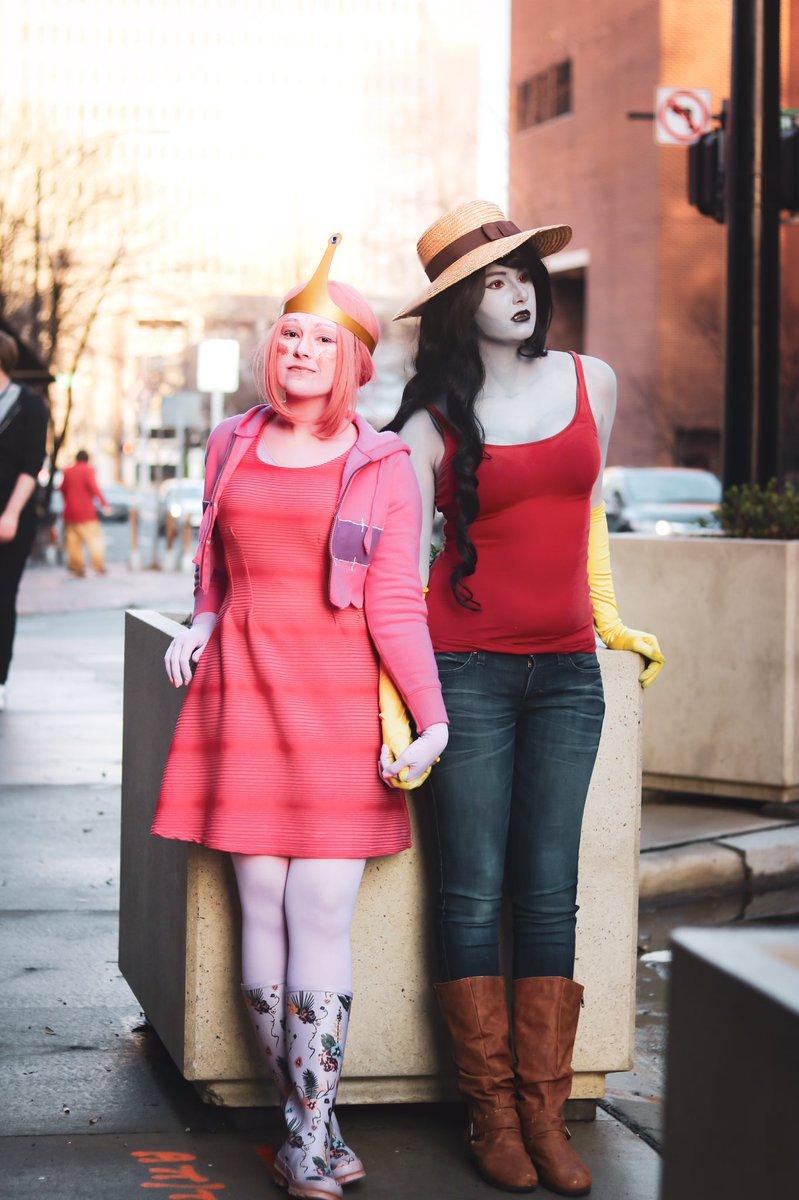 "*sees female couple* Gabby: ""be gay with me."" Me: ""... yeah okay"" | : @blanksnowphotography |  #cartoonnetwork #adventuretime #adventuretimecosplay #princessbubblegum #iceking #adventuretimefan #bubbline #cosplay #bmo #marceline #finnthehuman #marcelineabadeer #cosplaygirlpic.twitter.com/GZFoLeARlr"