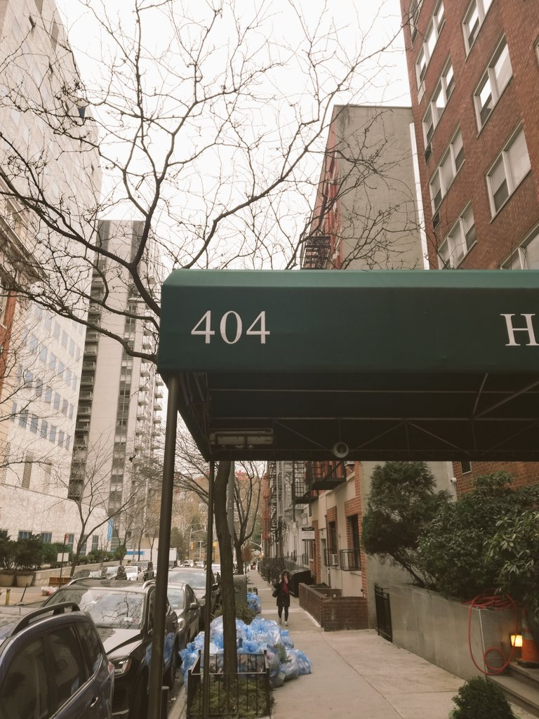 Found another 404 while walking in NYC. What are you doing? #404thedesign #404notfound #inspiration #specialtycoffee #nycmoment #DesignedToLearn #urbanphotographypic.twitter.com/soPxttH0V0