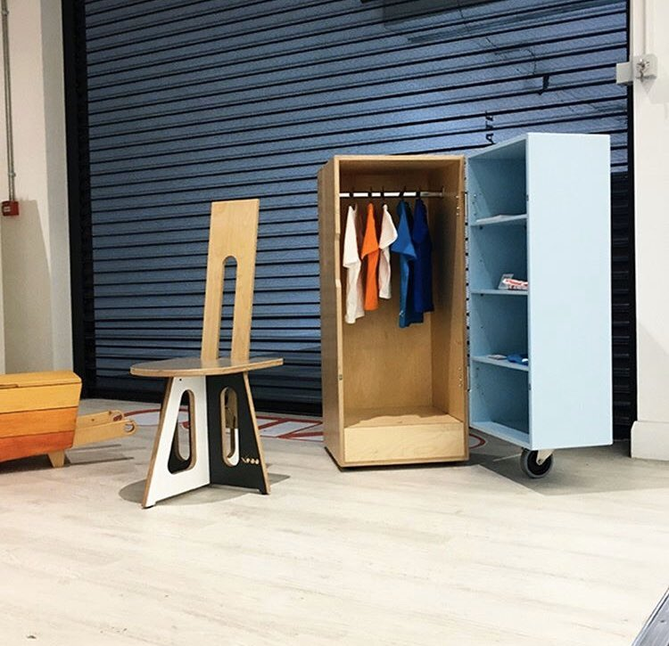 Xobo at Okido pop-up shop, Hammersmith, London  #design #designinspiration #wardrobe #sculpture #interior #interiordesign #architecture #contemporaryfurniture #modernfurniture #bauhaus #memphisdesign #unitedkingdom #italiandesign #britishdesign #sculpturalfurniture #okido #ojopic.twitter.com/LUqPRJOpsv