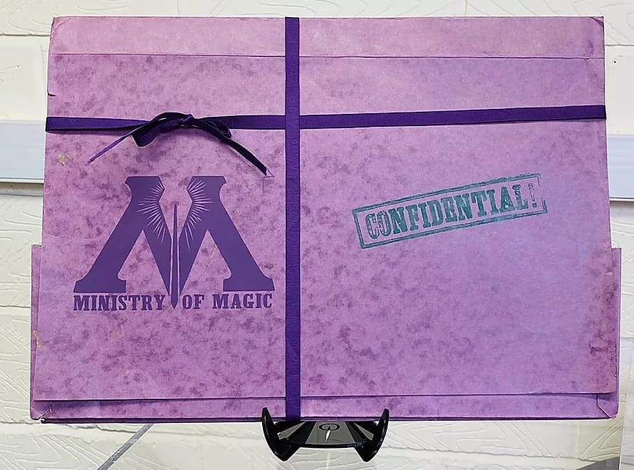 Sale Sale Sale  Get your hands on this Harry Potter Ministry of Magic Confidential Folder before it's gone #movieprops #movieprop #propmaking #props #movies #harrypotter #harrypotterparty #harrypotterfanpic.twitter.com/8A8G5AT5ZS