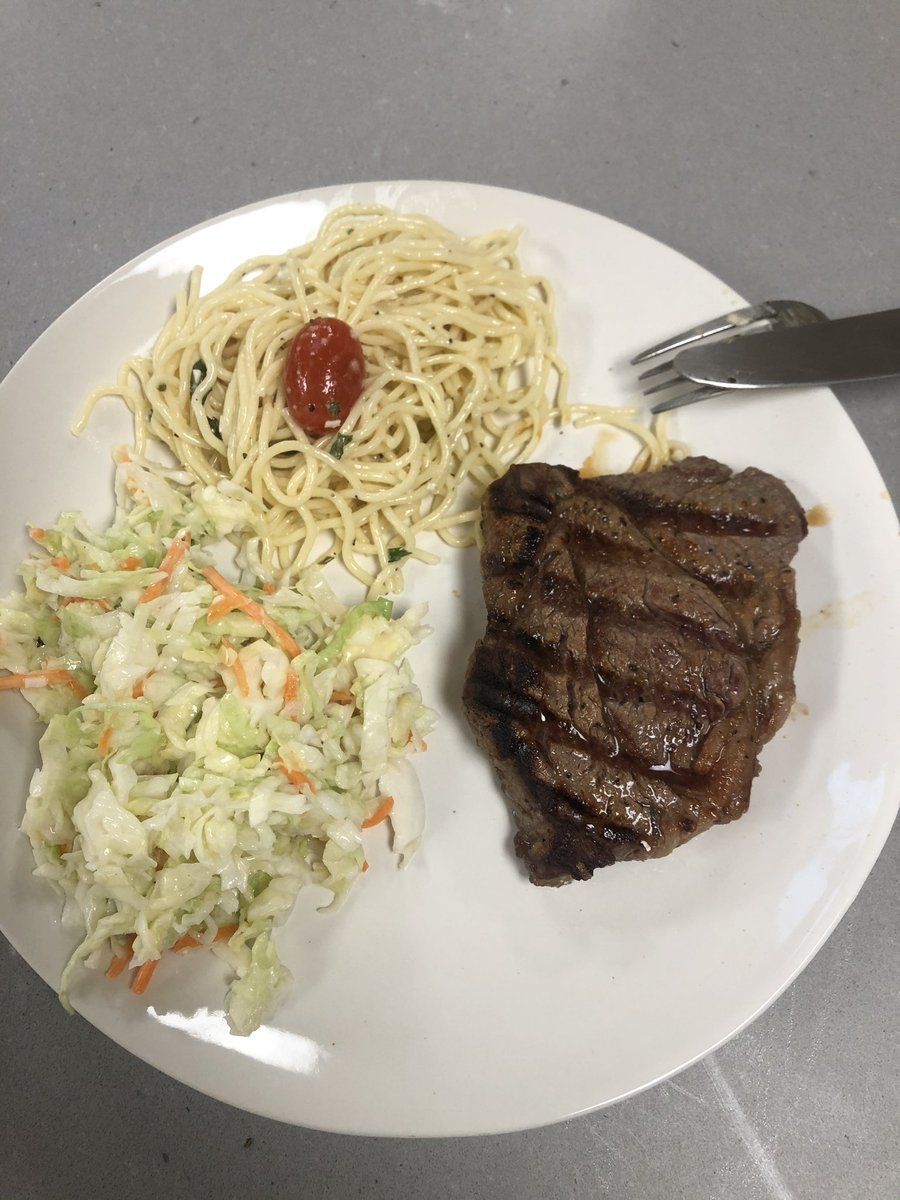 Las clases de chef aprendidas de #YouTube #megusto pic.twitter.com/lWtaYhGx1P