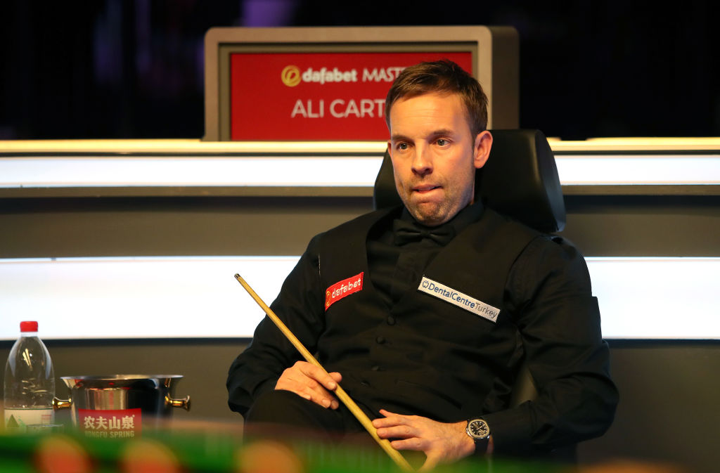 The Captain is in cruise control.Ali Carter opens up a 3-1 lead over John Higgins in the quarter-finals of the Masters.Live: https://bbc.in/30pHUfN  #bbcsnooker
