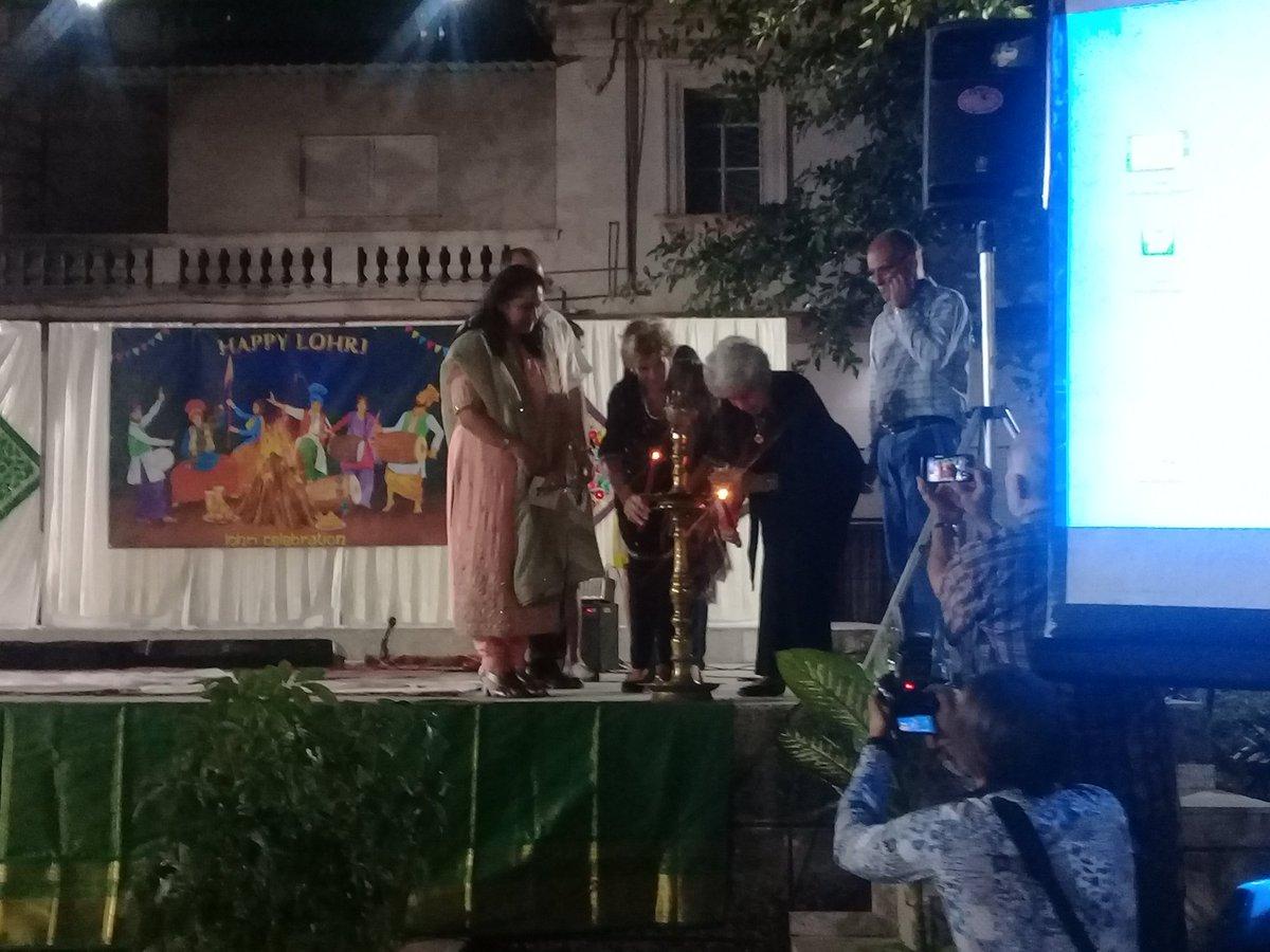#Lohri celebration in #Havana500. Friendship between #India and #Cuba growing #Culture and #Traditions even the distance. @EmbaCubaIndia @EOIHavana @CubaMINREX @ICAP_cubapic.twitter.com/Yt4tltVfhl