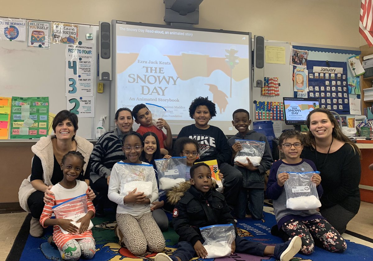 Today was the first day of Mentor Club 2020 ! We may not have snow on the ground but we together we created magic snow and read Snowy Day by Ezra Jack Keats. #SEL #MentorClub #BrooksideBaldwin #WhatsBRUINinBaldwinpic.twitter.com/Rl1U7vRGI3