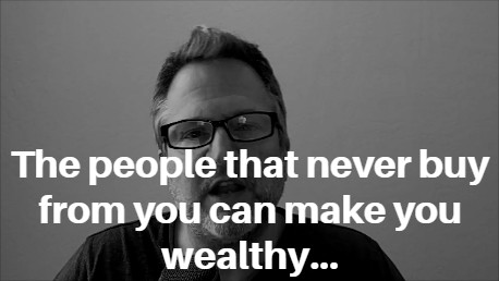 The people that never buy from you can make you wealthy… http://kennethholland.com/people-never-buy/… #onlinemarketingtips pic.twitter.com/OqmzqXIY92