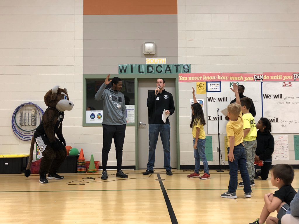 Great afternoon at @Wieland_PFISD for a Healthy Hoopsters visit! @AmbetterTX #WielandES #NBACares