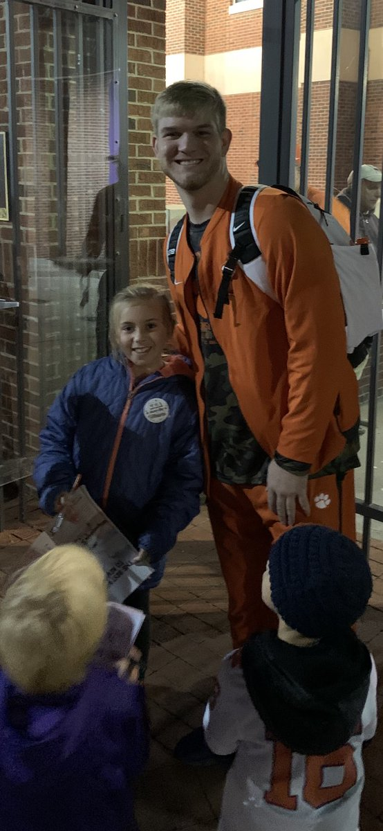 Thank you Chase! You have been a huge part of Clemson's success over the last few years. #ClemsonFamily <br>http://pic.twitter.com/I4TZJjh8fY