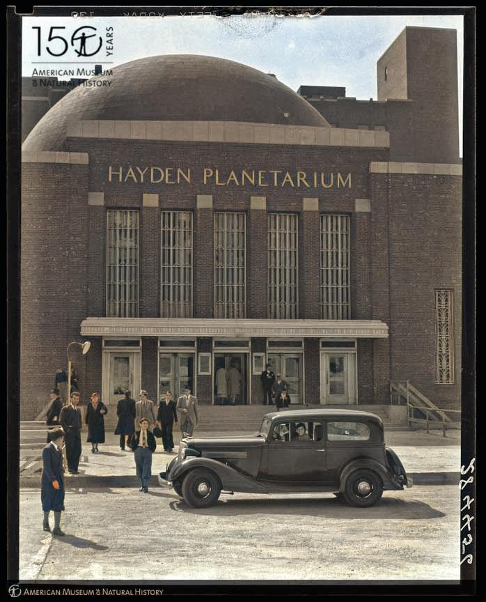 Roll on up to the Hayden Planetarium on January 21 to see Museum's new Space Show, Worlds Beyond Earth! That's (kind of) what these people were doing back in 1935, when the planetarium opened its doors to the public for the first time. Photo: © AMNH #AMNH150 #tbt