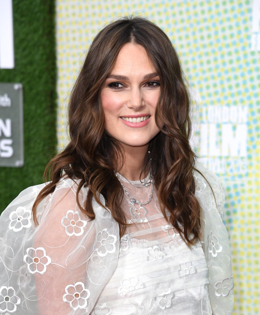 Breaking: #KeiraKnightley will star in Marv Films & Trudie Styler Untitled Christmas Film ( for people who secretly dread the holidays) with #RomanGriffinDavis ,lead in @jojorabbitmovie . Movie in pre prod shoots soon.Camille Griffin directing her screenplay -and her son.pic.twitter.com/QxN6qO5fL4