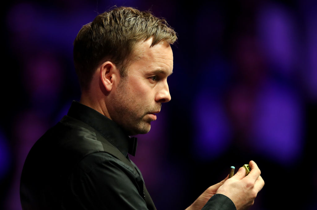 It wasn't pretty, but Ali Carter won't care.The Englishman beats Scot John Higgins 6-3 to reach the semi-finals of the Masters.https://bbc.in/35Y4ZaA  #bbcsnooker