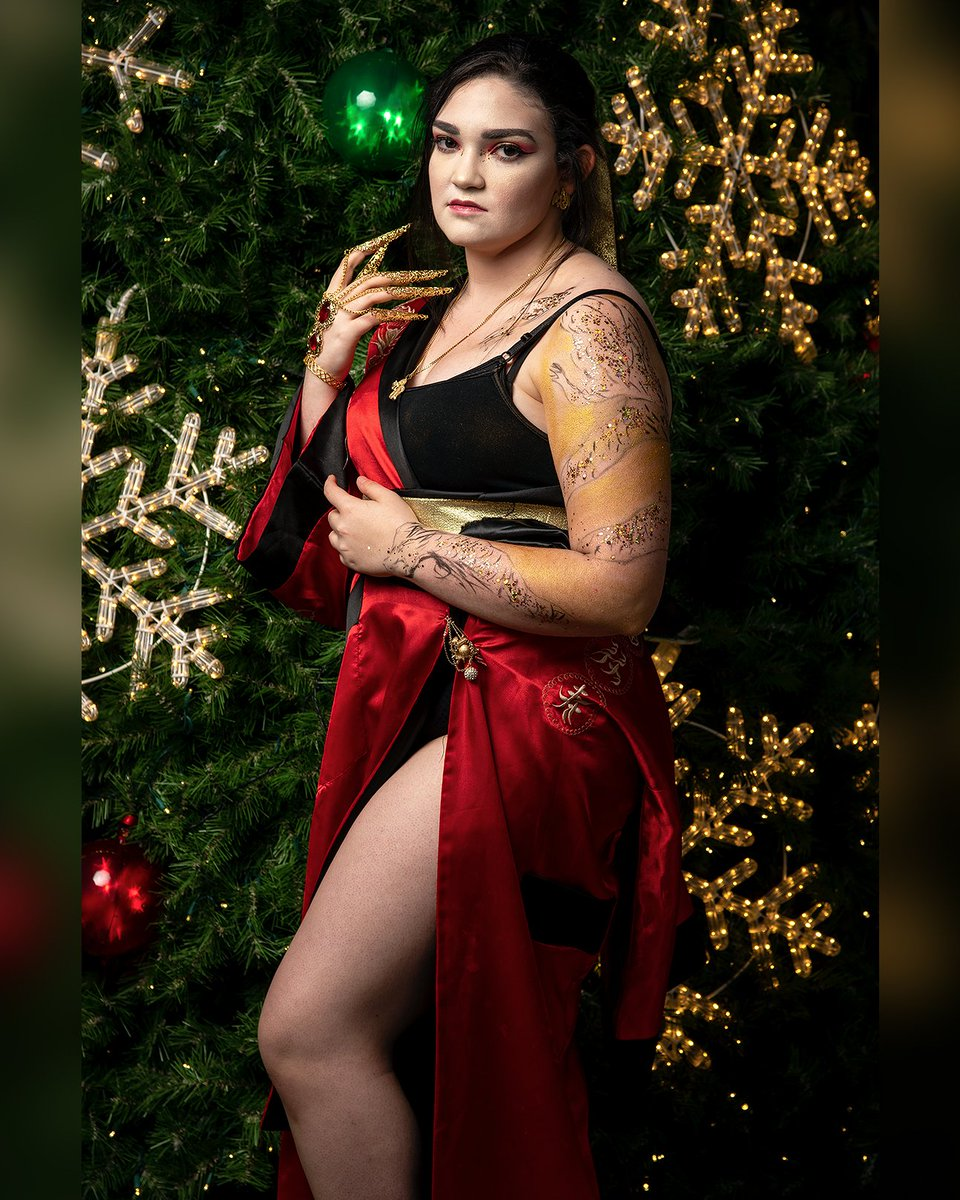 #fem!hanzo I did for Holiday Matsuri. The design was all my idea I just love the gold and red together  Photo: @jayjawline   #hanzoshimada #hanzoshimadacosplay #overwatch #overwatchcosplay #makeup #makeupartist #cosplayer #wolfpaint05pic.twitter.com/iigK8Ud07g