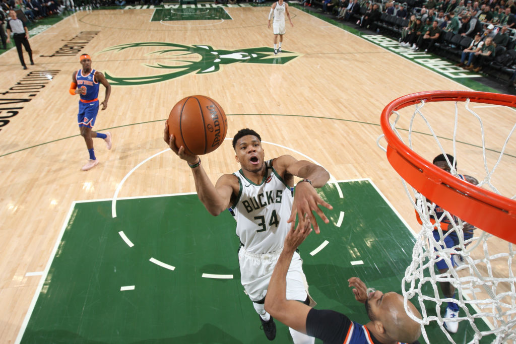 The Bucks lead all teams in fast break points at 18.9 per game, with Giannis Antetokounmpo leading all players at 6.4 fast break points per game.  8pm/et: BOS@MIL 10:30pm/et: DEN@GSW  @NBAonTNT Tune-In Tidbits: https://stats.nba.com/articles/tune-in-tidbits-tnt-thursday-jan-16-2020/…