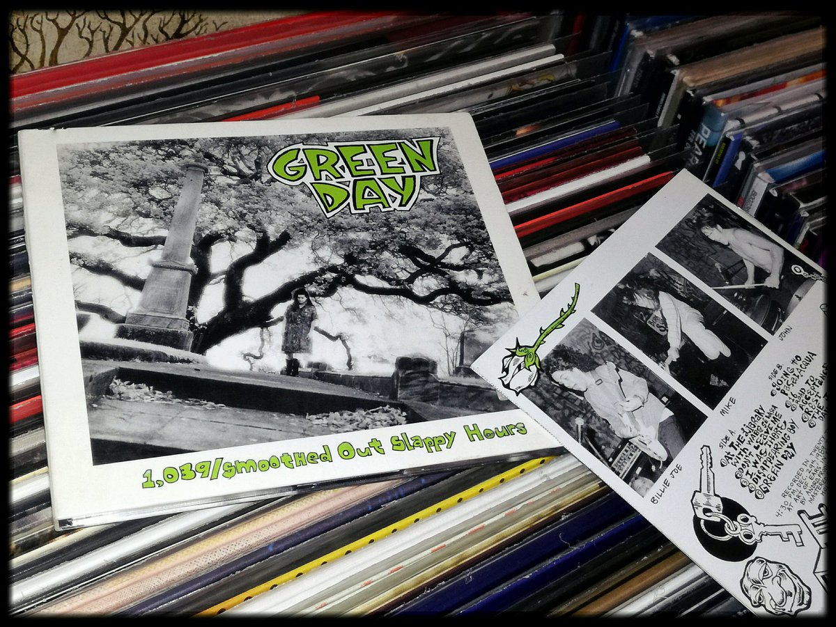 @GreenDay #NowPlaying #GreenDay 1039/Smoothed Out Slappy Ours #Cd #Music #Cdcollection pic.twitter.com/92D75uaVgM