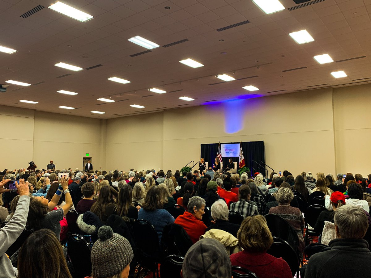 There are 2020 Democrats who aren't able to get a crowd size like this in Des Moines! These are women who love @realDonaldTrump and can't wait to vote for him in November! #IACaucus #WomenForTrump<br>http://pic.twitter.com/85lj7iUVb2