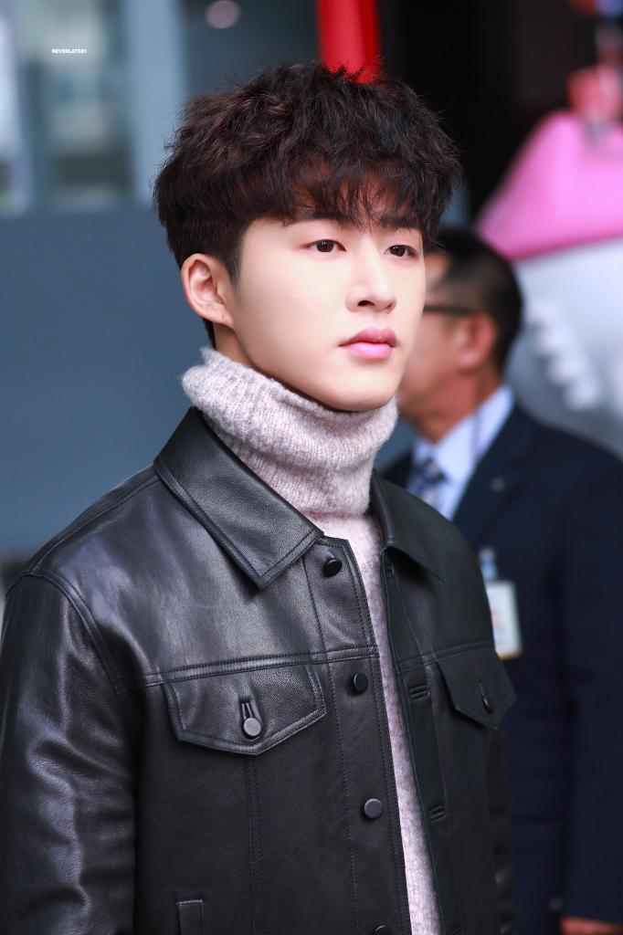 As long as you happy, mbin........ So stay there, until your time back to us  #동화속에_Hanbin #HANBIN #김한빈 #비아이<br>http://pic.twitter.com/l6rqkiApou