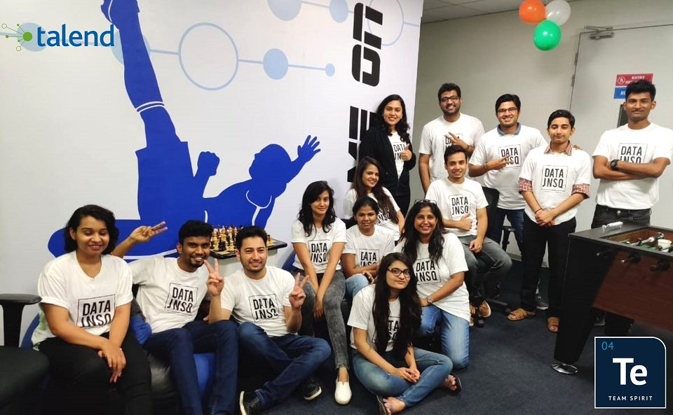 Throwback to #TeamTalend India showing off their #DATAJNSQ swag. Want to find out more about life @ #talend? Go to http://www.talend.com/careers #wearehiring #lovewhatwedo #cloud #data #dataintegrationpic.twitter.com/2vFJc7yq10