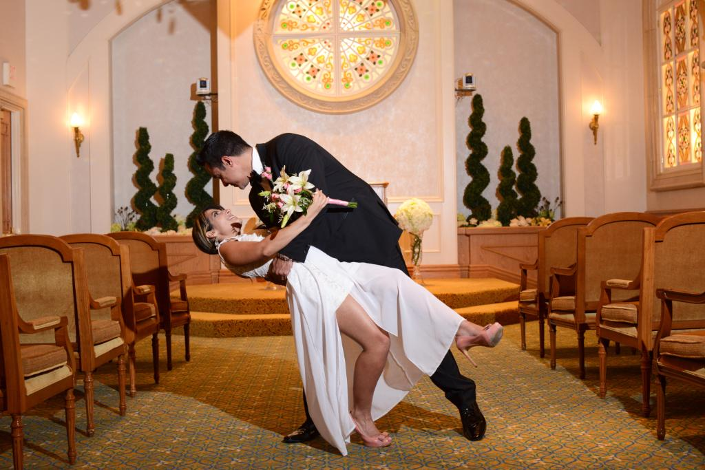.@WeddingWire thanks for naming us one of your Couple's Choice venues! #VegasVows   https://www.weddingwire.com/couples-choice-awards/las-vegas/839-r.html…pic.twitter.com/oUQSSxpKHL