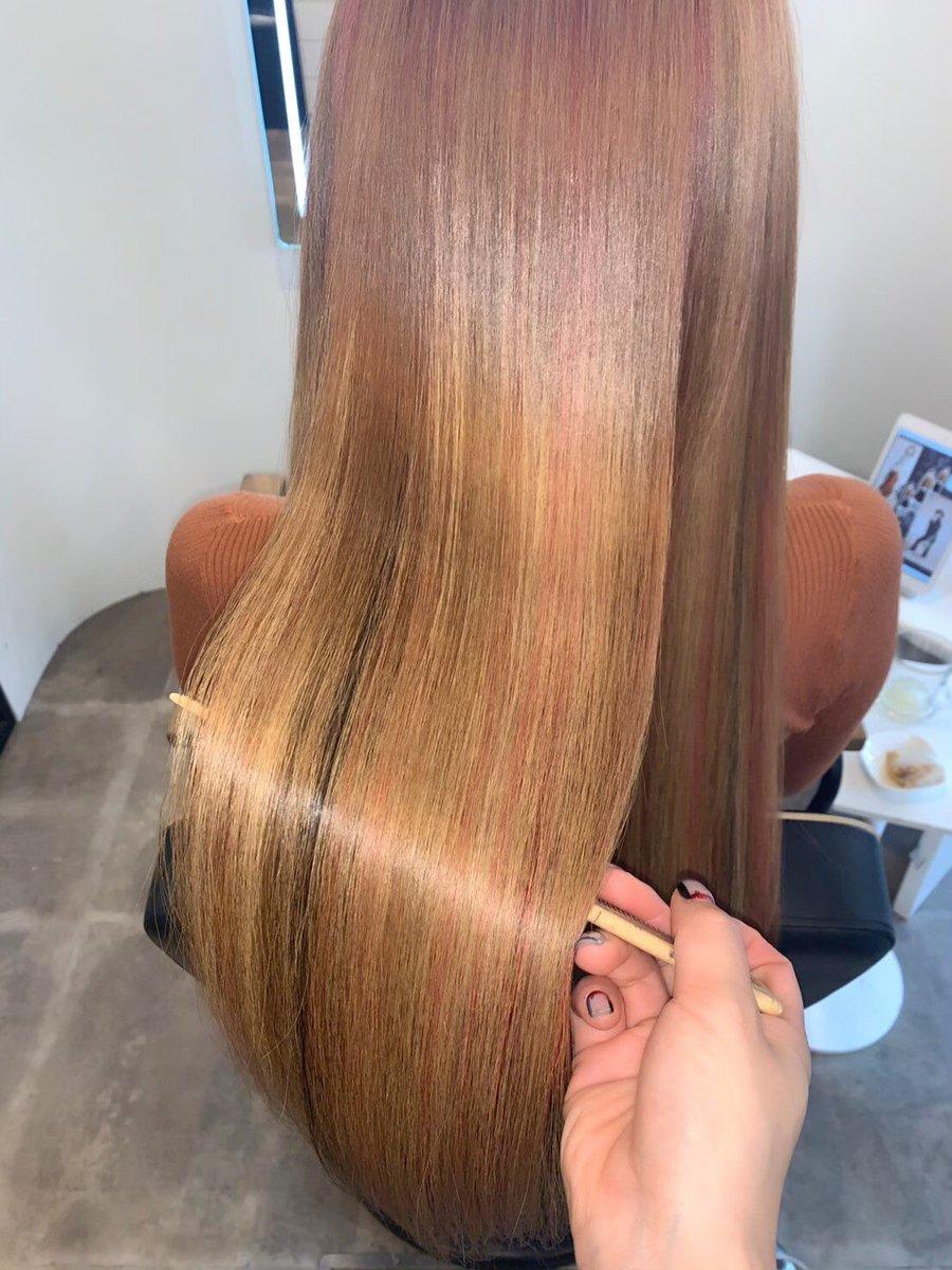 青山Rr salon AOYAMAの藤田さんに髪の毛を綺麗にしていただきました 私の厄介すぎる髪の毛がこんなにサラサラ…✨✨✨  藤田さんも虜でずっと、ディルの話で盛り上がって楽しかった あ、虜さんだけどとっても優しくて… https://t.co/Eg2cM9aFFb