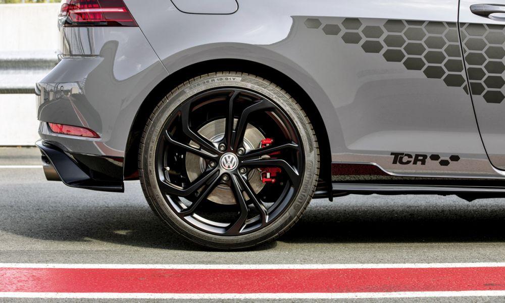 Volkswagen Golf 8 GTI set to drop TCR badge for Clubsport moniker... http://bit.ly/2Nwzjmkpic.twitter.com/lEfUKmgWJo