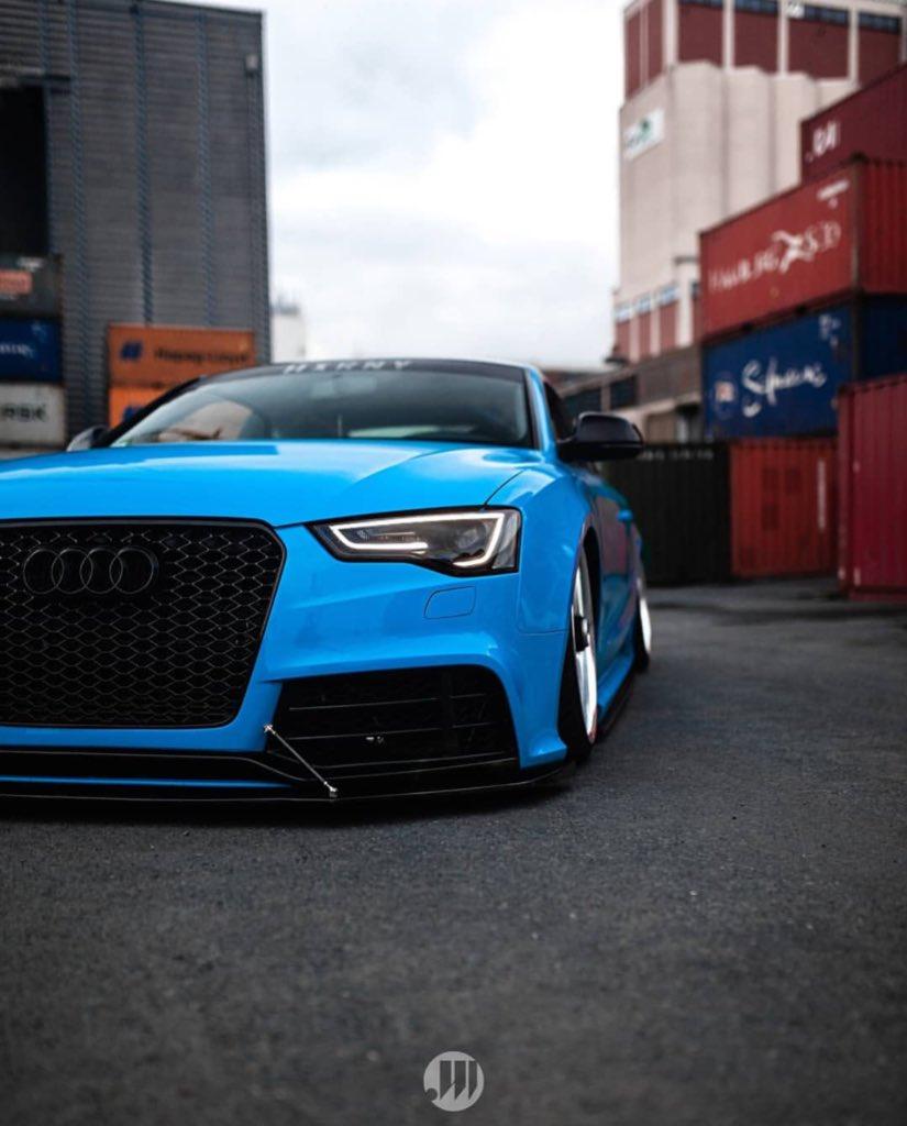 Blue 's   #Audi #AudiRS5 #RS5 #AudiSport #Quattro #Stance #LifeOnAir #DubLifepic.twitter.com/xhEMcuMXMz