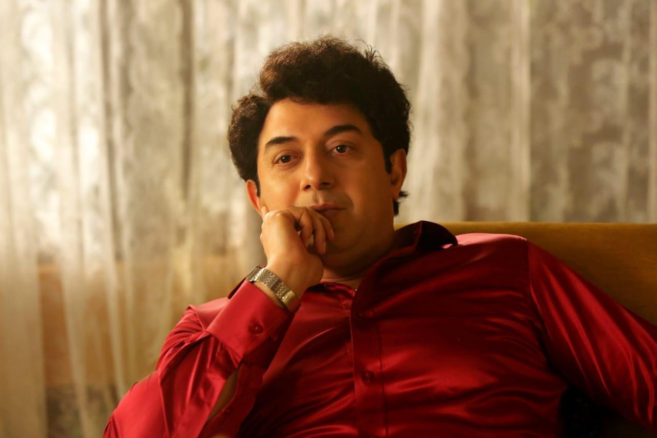 aravind swamy mgr look frome jayalalitha biopic