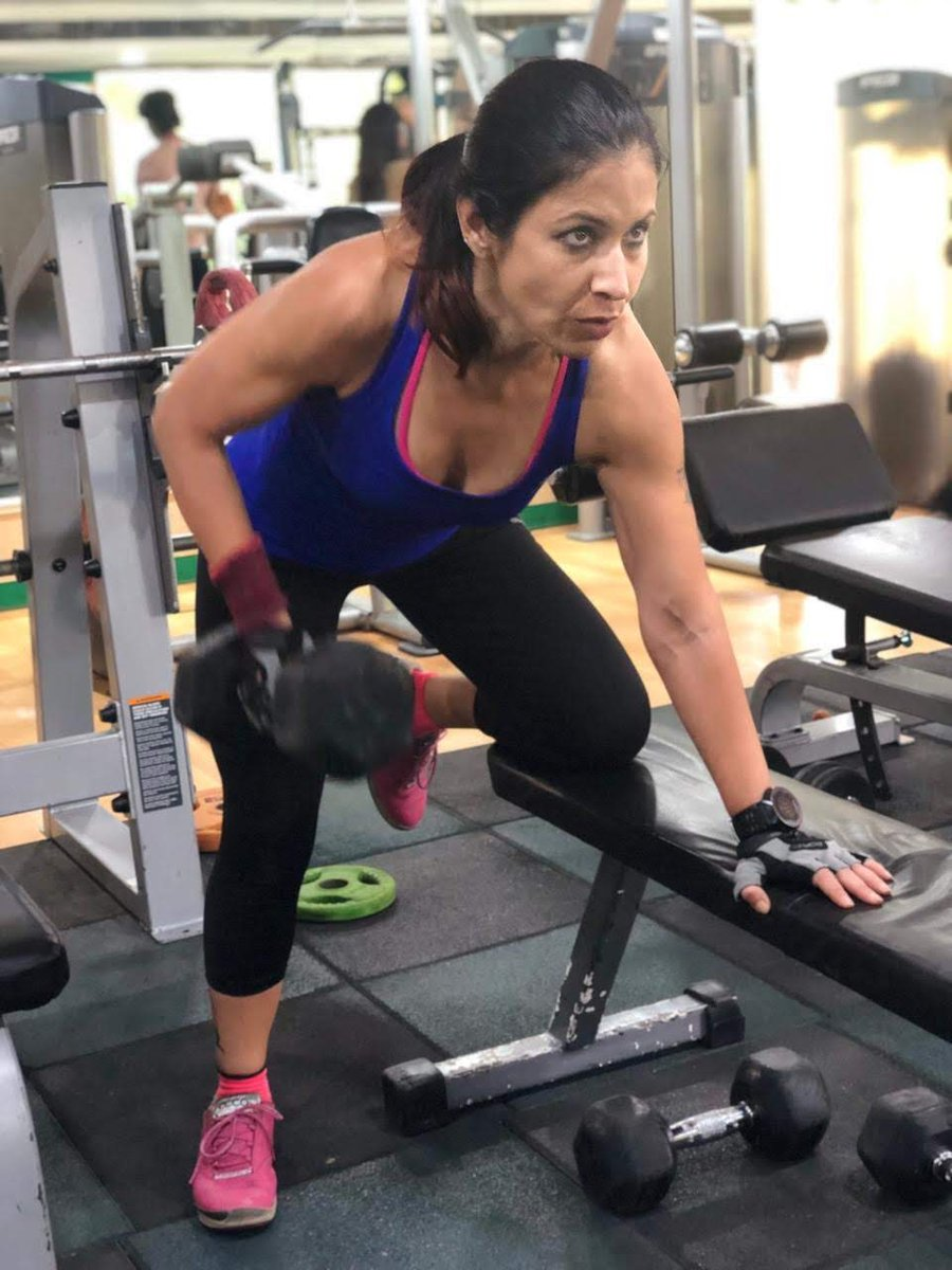 My way of meditation !! Every woman should lift !! #lowcarb #keto #strongwoman #strongnotskinny @dlifein @FitasaMamaBear @tednaiman @FitzgeraldSTApic.twitter.com/Ir6S7fDcYx