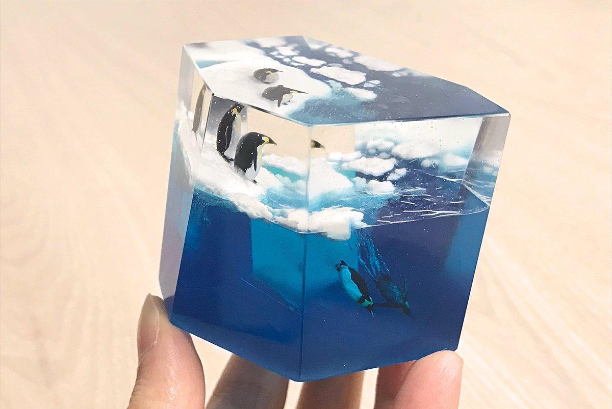 コウテイペンギンが飛び込む海をつくりました。 #レジン