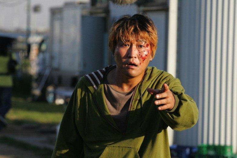 Cinayet Günlükleri, Yaratık, Snowpiercer ve Parazit gibi Bong Joon-ho filmlerindeki muhteşem performanslarıyla tanıdığımız Güney Koreli oyuncu #KangHoSong 53 yaşında. İyi ki doğdun! pic.twitter.com/LAqUswIcA6