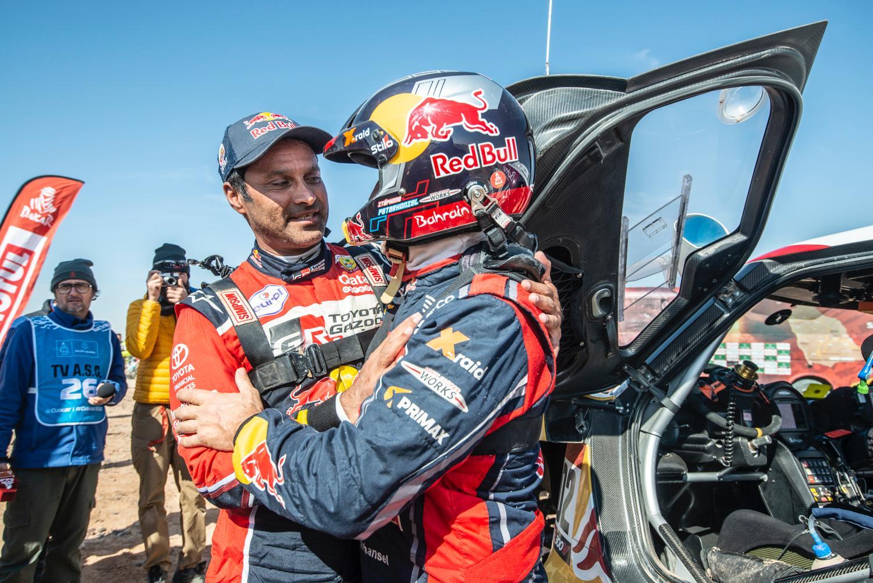 2020 42º Rallye Raid Dakar - Arabia Saudí [5-17 Enero] - Página 11 EOeA4juWsAE6e0Z?format=jpg&name=large