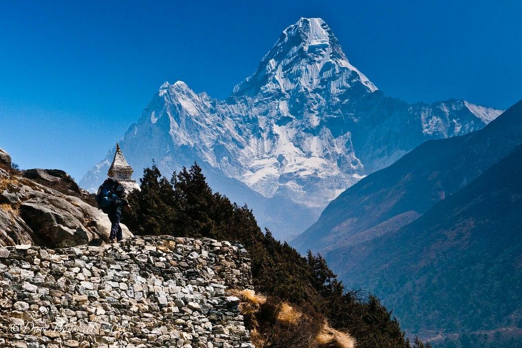 Crystal clear view of Himalayas, glorious Everest Base Camp Trek in Nepal!😍🇳🇵 #everest #everestwinter #trekking #Himalayas #explorer #topoftheworld #adventuretravel #budgettravel #travelblogger #landscapephotography #VisitNepal2020  https://www.nepalhimalayastrekking.com/everest-base-camp-trekking.html…
