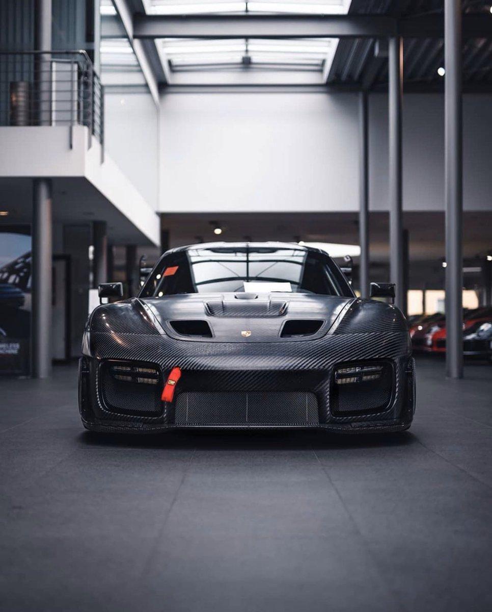 #FlachtFriday #Porsche  #PZAachen #GT2_RS_Clubsport pic.twitter.com/qb1S7oh5DM