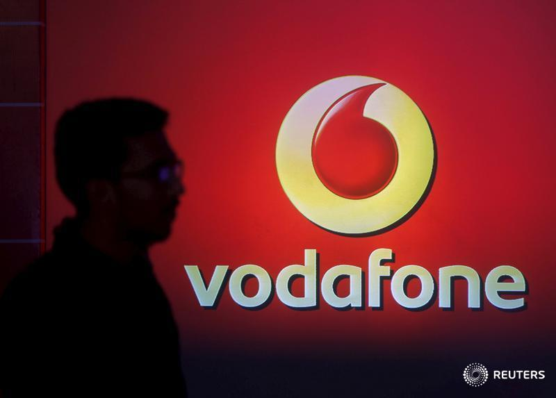 Shares in Vodafone's India unit fell 25% after a court dismissed a plea to review $7 bln of levies. Delayed payment would still leave Vodafone Idea with a heavy burden, but the bankruptcy of a big brand would hit a fragile economy hard, says @ugalani: https://bit.ly/3aidpNl