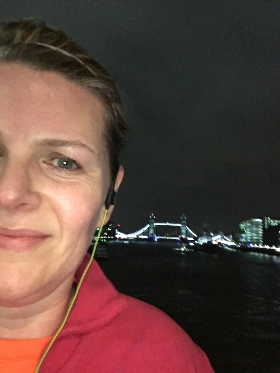 The KSA team have had a busy week delivering 5 workshops across the country this week. Sue even managed to squeeze in a run along the Thames!  #KSA  @mbl_seminars @RHCVTrucksVans  @hallmark  @katelshepherd     #lovewhatwedo pic.twitter.com/m4z5qfSrpe