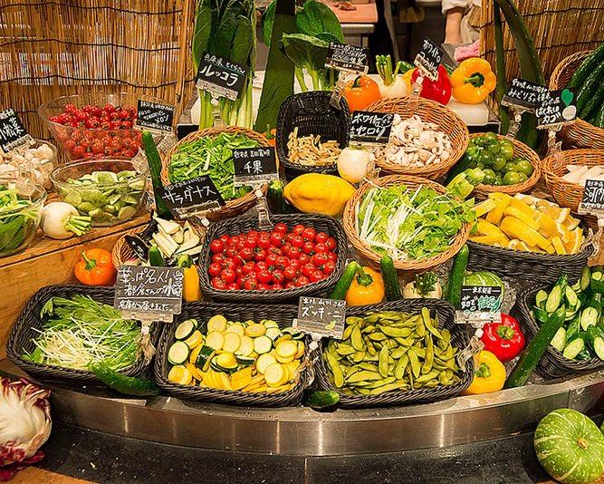 都内の美容大好き勢は新宿の「農家の台所」ってサラダバーがマジのオススメ。産地直送の新鮮な野菜を使った料理が食べ放題で1500円。美味しいしレパートリー豊富だしコスパ鬼。モデルさんやインスタグラマーさんもよく利用してます。野菜を美味しくたくさん食べるって幸せ。