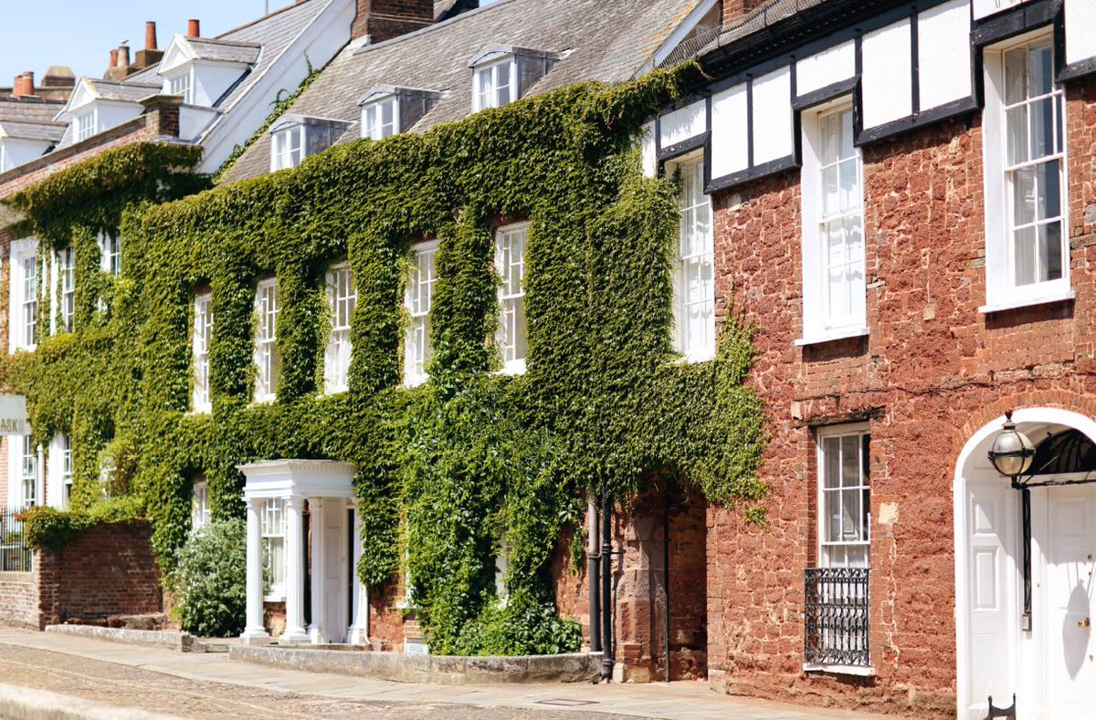Going Green Top Tip #5. Enjoy a Staycation – why travel oversees when you can holiday right here in glorious Exeter? Significantly reducing those air miles. #ExcellentExeter #EcoWeek https://t.co/L7n4I9bu1M