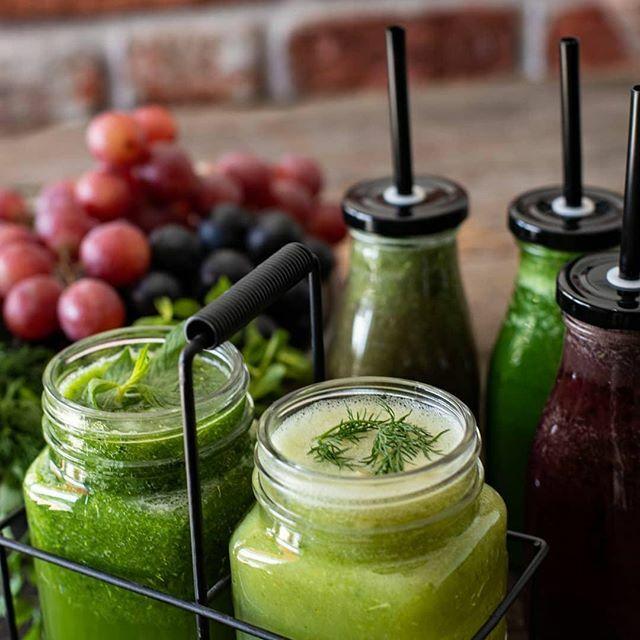 Batidos verdes Detox   #batidodetox #batidosaludables #jugosnaturales⠀ #fitnesstips #saludybelleza #dietasaludable #snacksaludable #recetassaludables #vidasana  #saludable #nutrición #fitness #salud #saludybienestar  #dieta #estilosaludable #vidasaludable #comesano…pic.twitter.com/apkhcRfchk