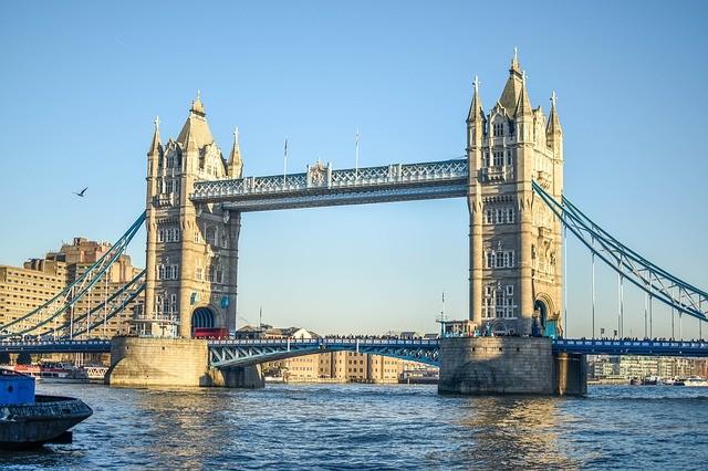 Photo By BondSupanat | Pixabay   #london #england #unitedkingdom #london #unitedkingdom #londra #toweroflondon #londres #kingdom #towerbridgepic.twitter.com/lHholnZRce