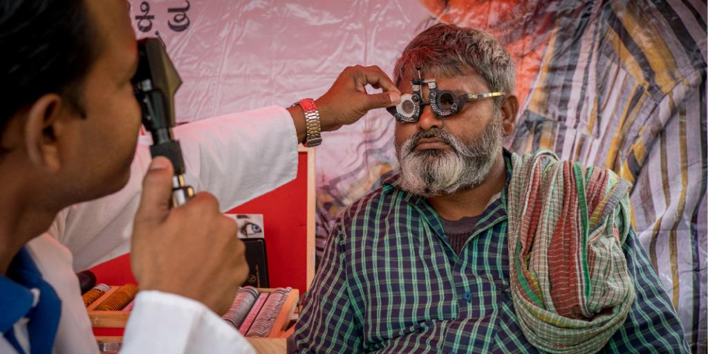 Almost 75% of road fatalities in India are attributed to human error according to @MORTHIndia report. Our #DriveSafeIndia campaign with @VisionSpring offers vision screening & corrective glasses creating safer drivers on Indian roads #RoadSafety https://t.co/eHU5LeLrzC