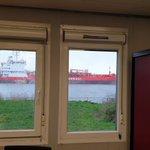 @MarcelVanDun - Uitzicht kantoor Barendrecht #OudeMaas https://t.co/flSWVeVzlG