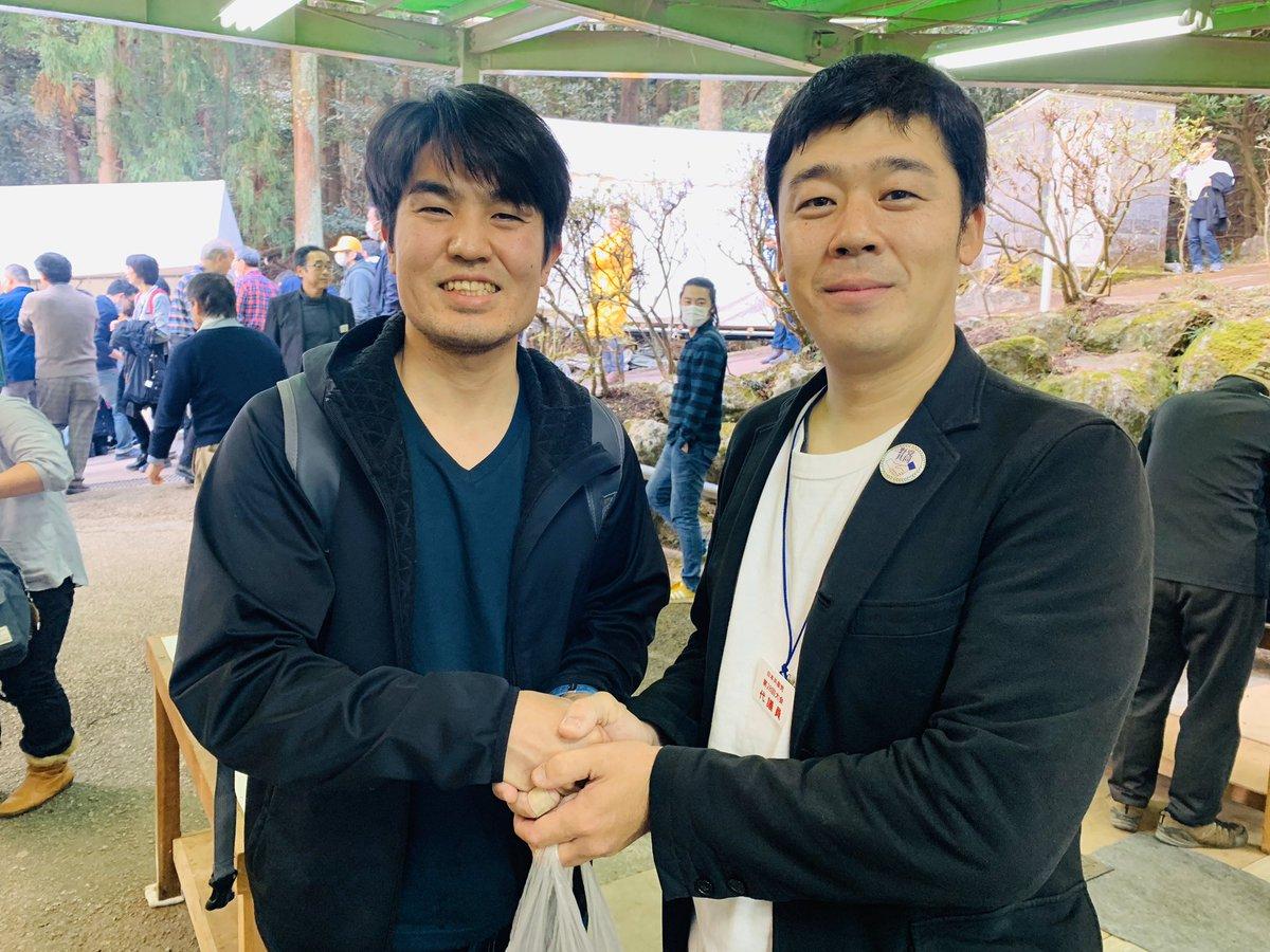 こんばんは!一週間お疲れ様でした。  先の高知県知事選挙で野党統一候補として大奮闘された #松本けんじ さんと!私の嬉しそうな顔を見てください笑  本当に大会に参加できて良かったです。明日は最終日ですが学んだことを札幌に持って帰ります。 #日本共産党 #JCP https://t.co/nYhPGZhLqB