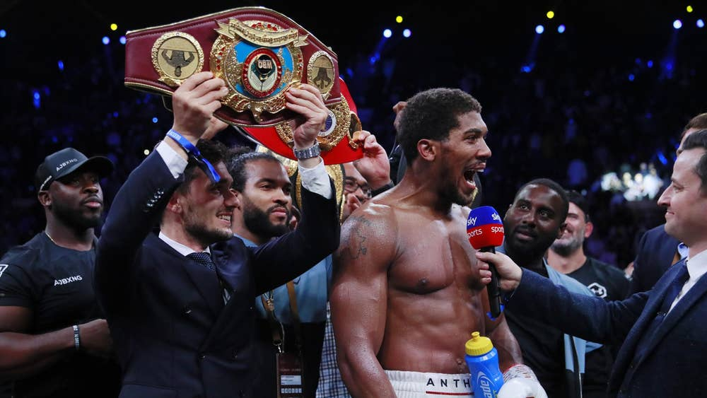 🗣 Eddie Hearn on a potential Anthony Joshua vs Dillian Whyte rematch: AJs not gonna be dictated to by the belts. So maybe he bins off Pulev and Usyk and fights Dillian in the summer. Anything could happen. The country would stop for that fight.