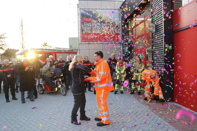 Tijdelijke brandweerkazerne Naaldwijk officiëel geopend https://t.co/JiroBbilly https://t.co/54xizFg24P