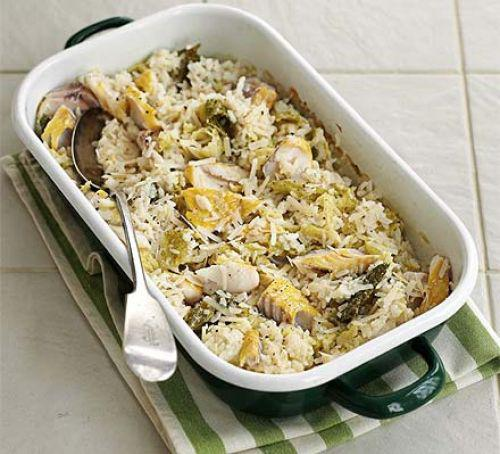Baked haddock & cabbage risotto: A must for fish lovers and a great meal-in-one - use whatever fish you have #seasonal  http:// bit.ly/2B3kdyA     <br>http://pic.twitter.com/LjtD8PXYZd