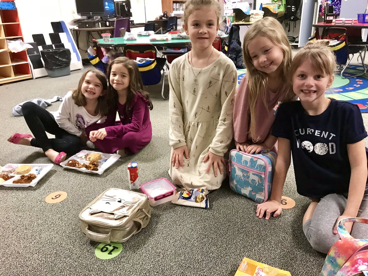 Lunch bunch in the classroom with these special girls!! So sweet that they're exchanging their hard earned POGS to eat with ME!  @HumbleISD_DWE #dwe2020 <br>http://pic.twitter.com/HiQXDuLJMg