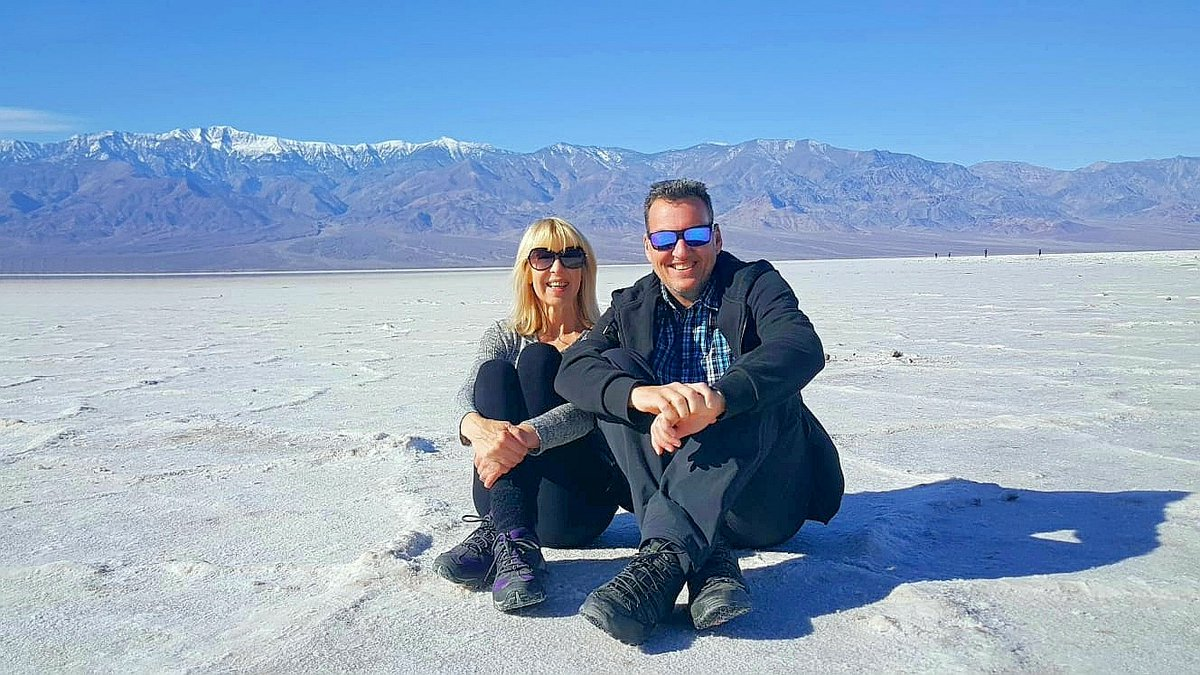 Always wanted to visit this awesome place, and with a gap in our house sitting #California we made it happen #deathvalley #adventures @Housesitting #travelling
