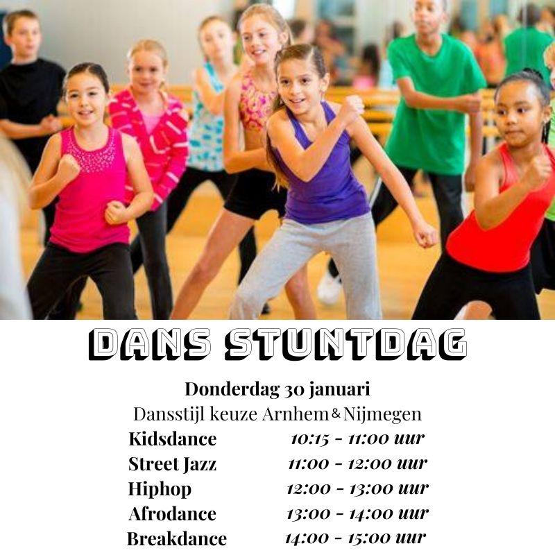 Lijkt het jou ook leuk om mee te doen aan de Dans Stuntdag? #dance #kids #afrodance #afro #afrohouse #afrobeats #kidsdance #breakdance #bboy #streetjazz #hiphop #stuntdag #dans #dansen #dansscholen #danceschools #maxstudios #leuk #geweldig #great #try #probeer #meldjeaan #stuntpic.twitter.com/JJE7Fkm3R6