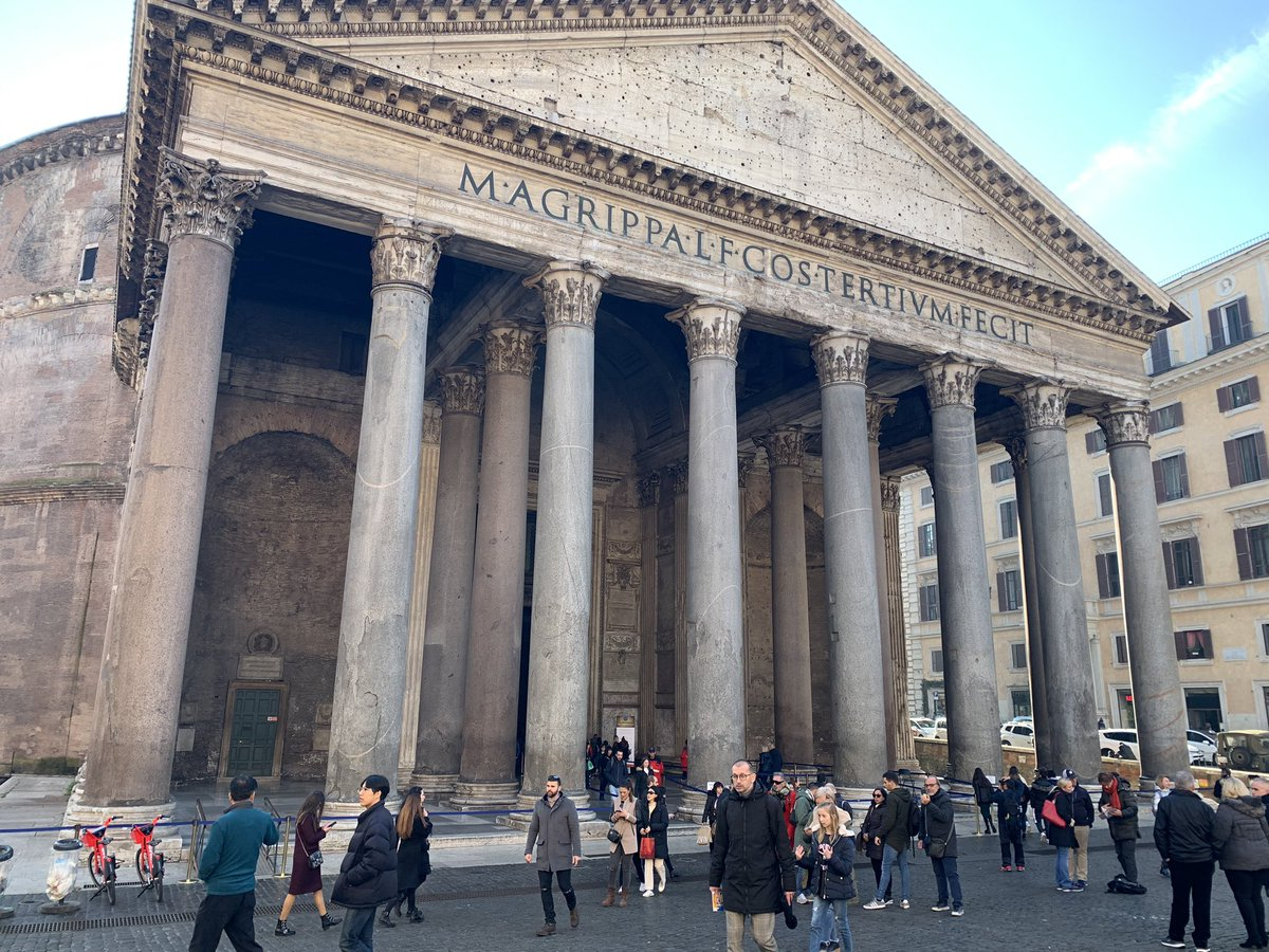 test Twitter Media - Finalmente si riesce a fotografare il Pantheon senza intrusi, che siano bancarelle o auto della @PLRomaCapitale. Ben lieti di riconoscere il ben fatto, per una volta, a @virginiaraggi. Persi oltre 3 anni ma finalmente è fatta (e che duri!) https://t.co/oFX7eSSpoj