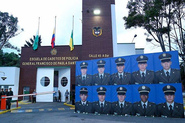 ¡No los olvidamos! Sentido homenaje a los 22 jóvenes cadetes asesinados hace un año por el ELNhttps://buff.ly/3741LUe